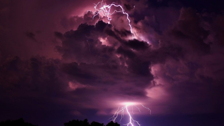 clouds_storm_lightning_1366x768_3377